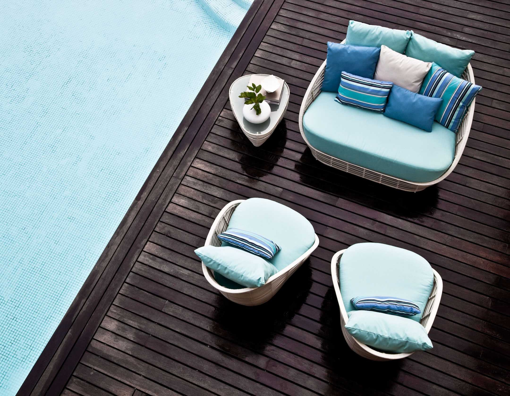 canapea piscina